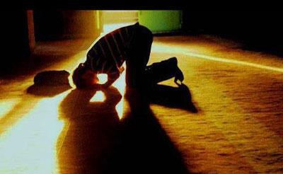 نماز خواندن در خانه ای که سگ باشد، صحیح است؟